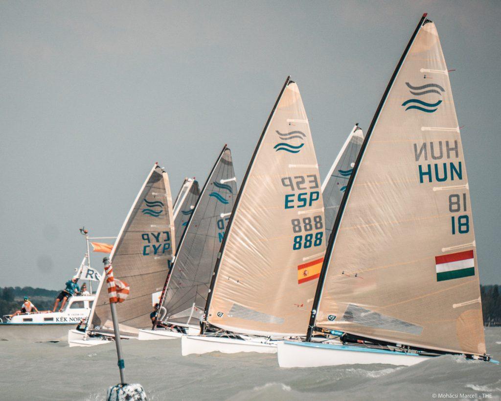 Fleet of finns start the race