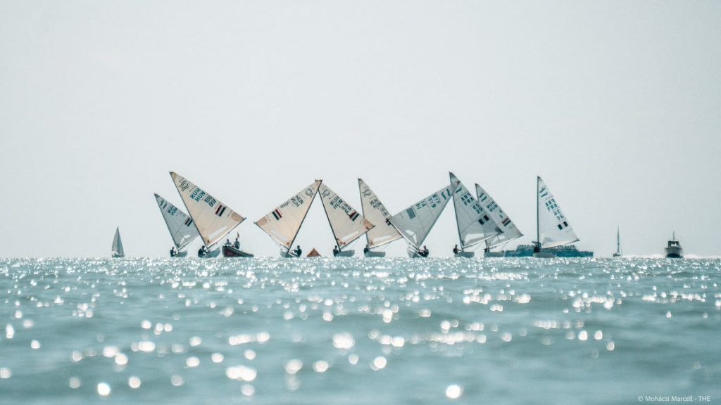 Boats waiting for wind to come in
