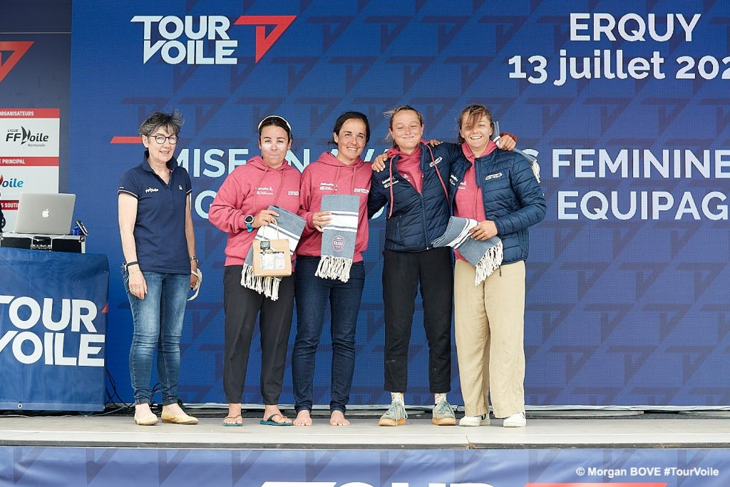 female crew of Helvetia Purple by Normandy Elite Team at the awards ceremony