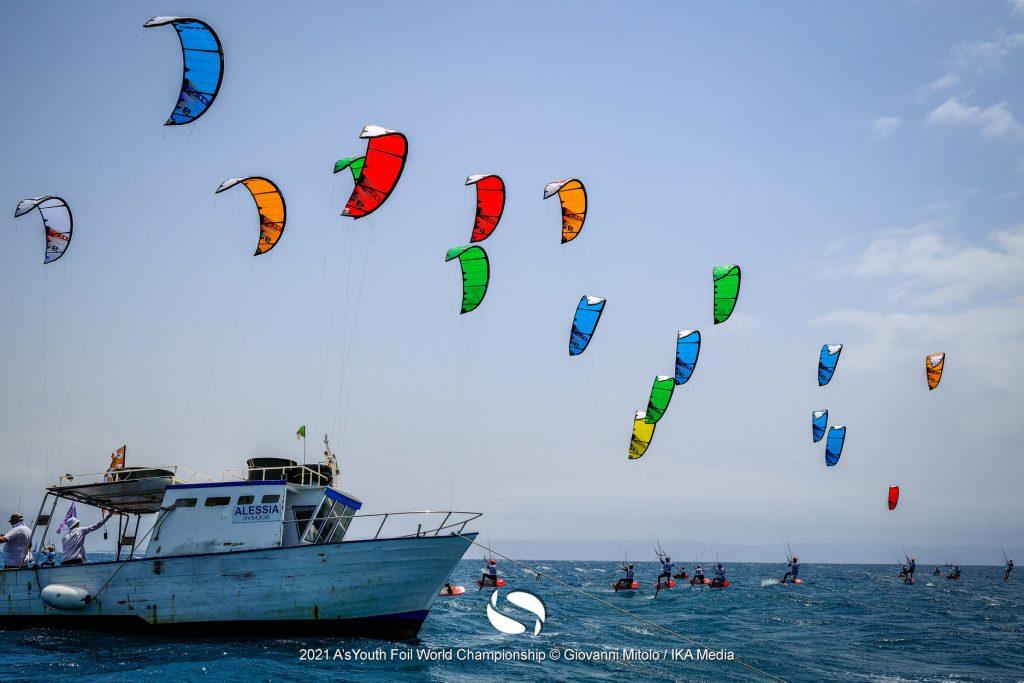 Kitefoil start line
