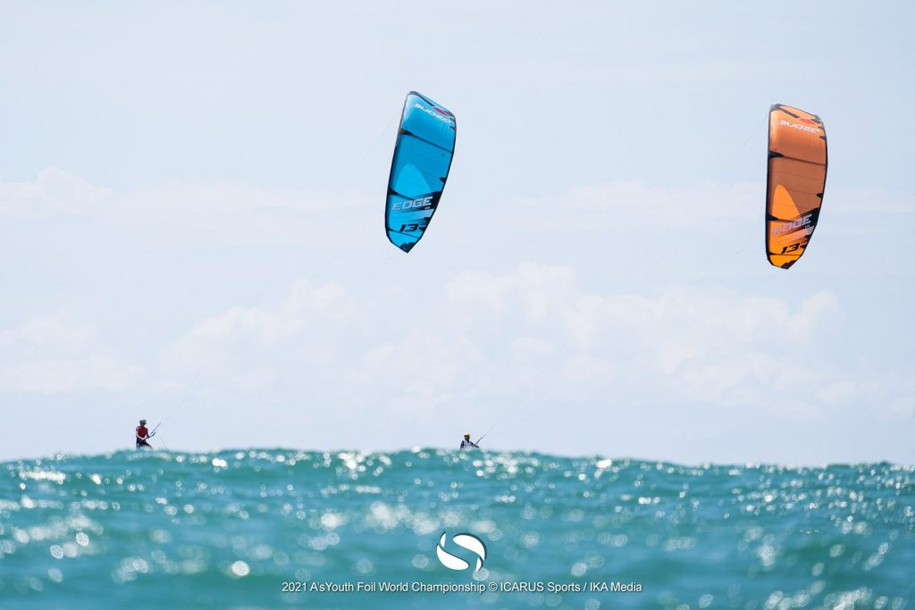 Kitefoils and waves