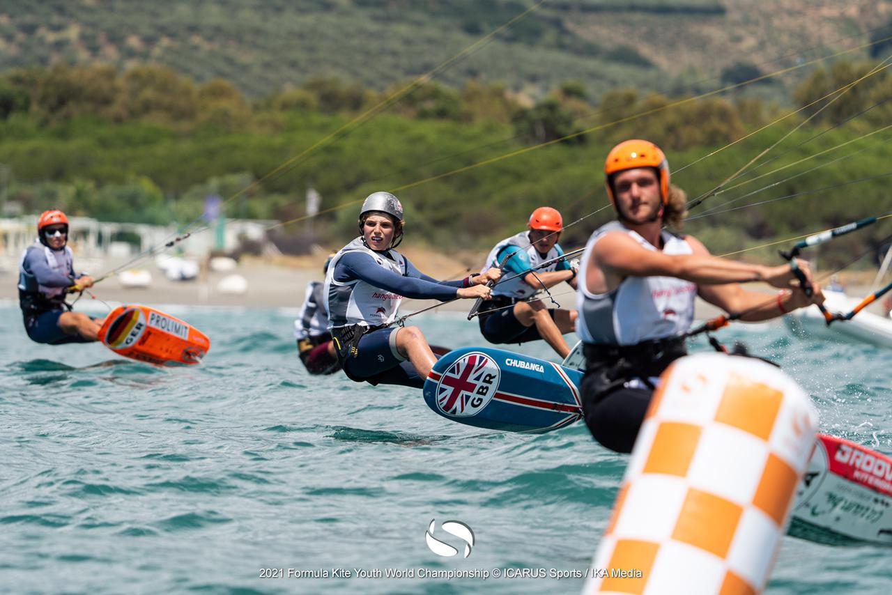 Kitefoilers nearing top mark