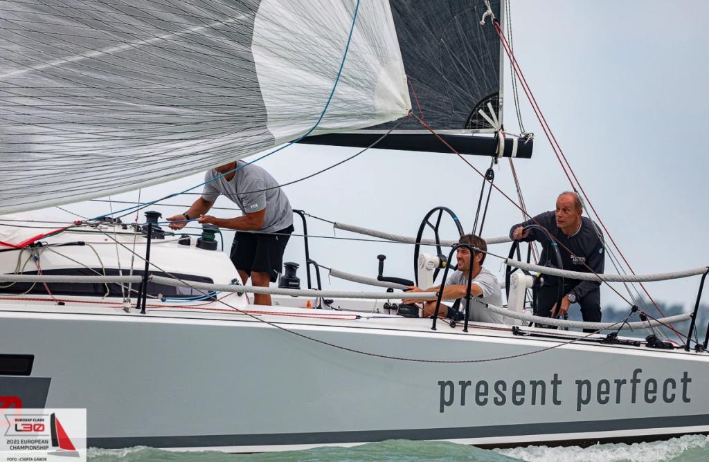Present Perfect Team sailing downwind