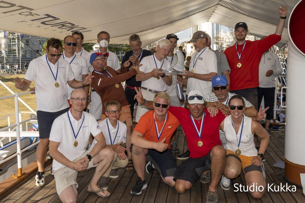 Tarantella II crew at the award ceremony
