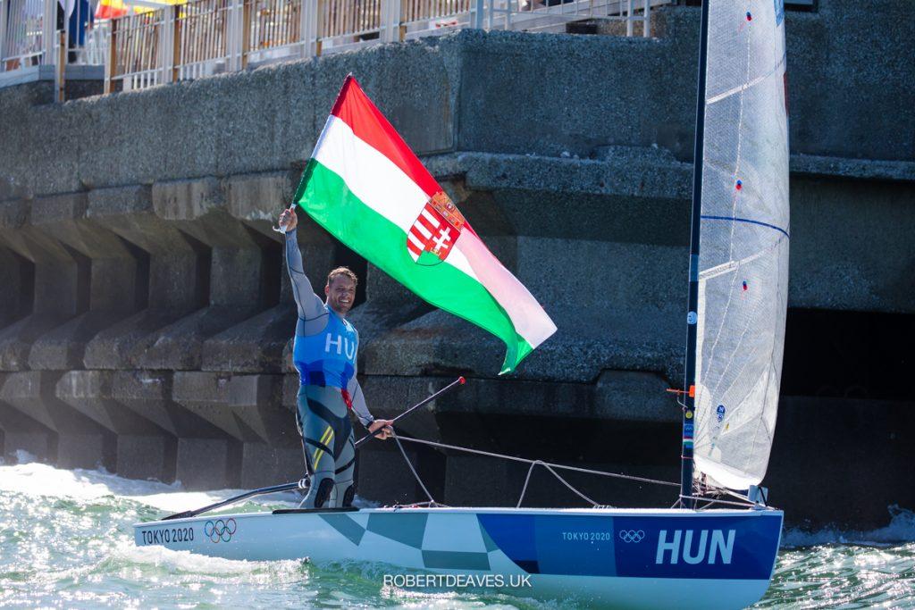 Zsombor Berecz (silver) doing a victory lap