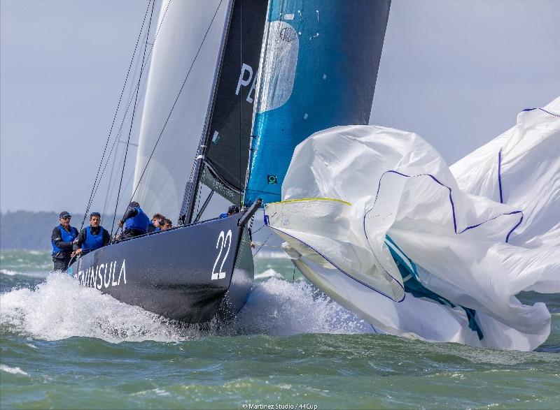 Peninsula Racing (GBR) dropping the kite