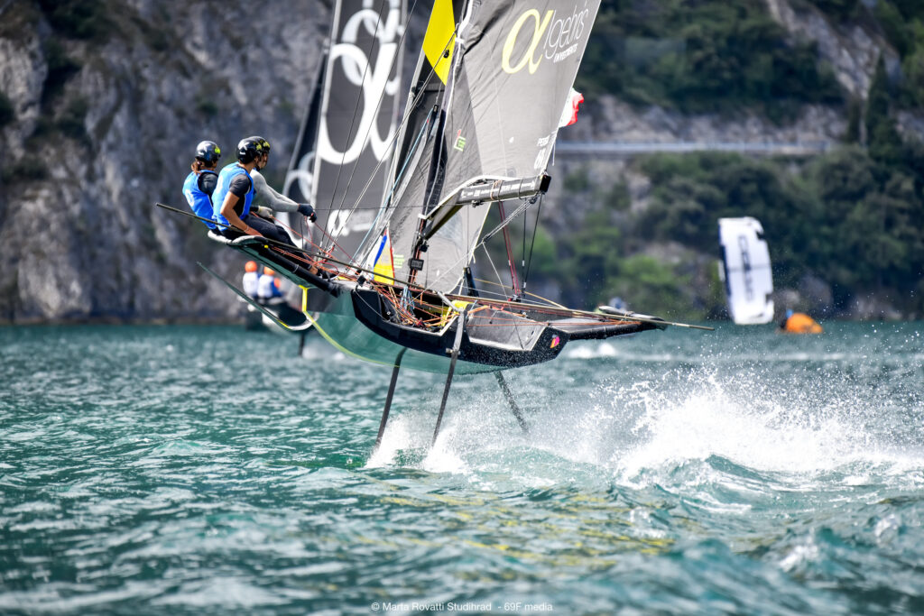 A boat foiling while reaching.