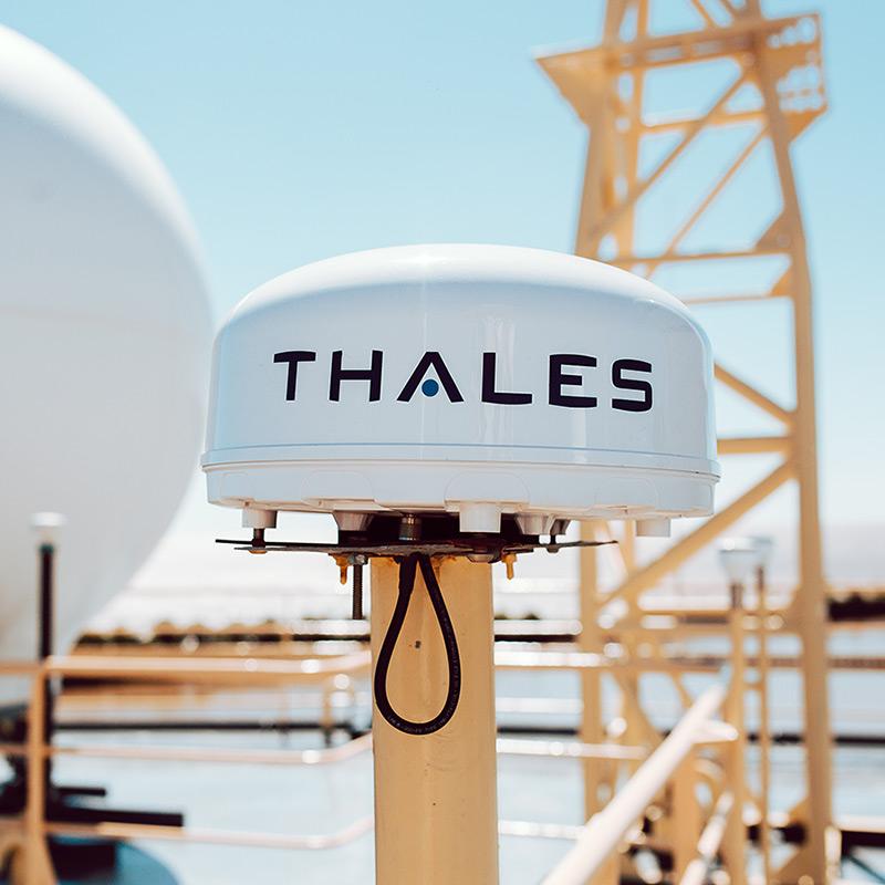 VesseLINKTM 700 satellite communication device