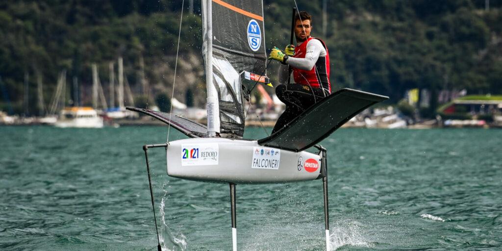 Iain Jensen sailing upwind on the foils.