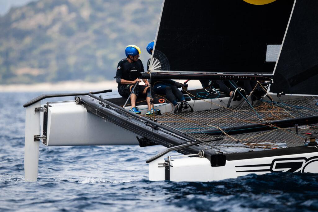 Zoulou on a slight leeward heal, sailing upwind.