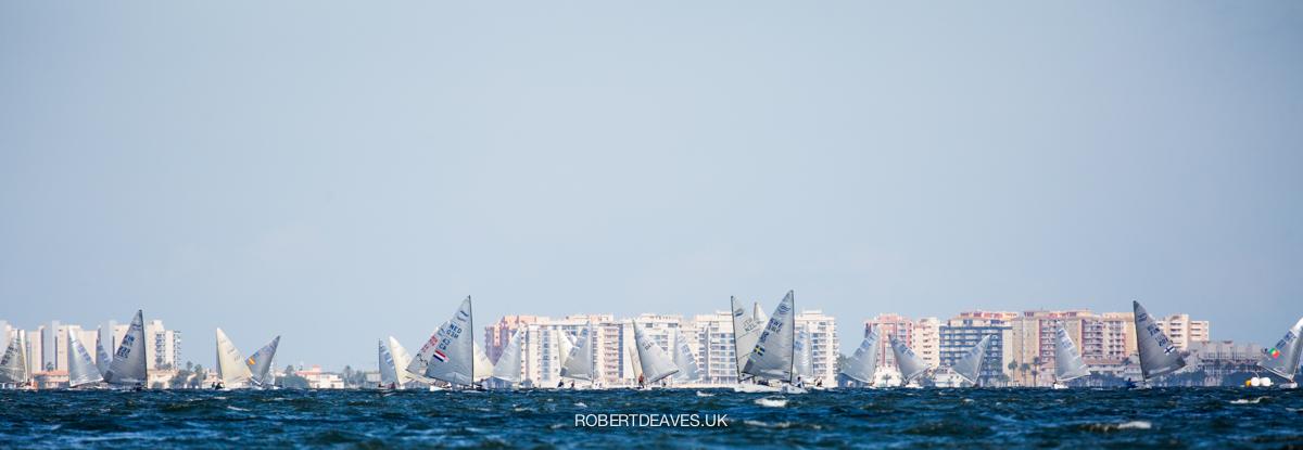 Fleet sailing downwind.
