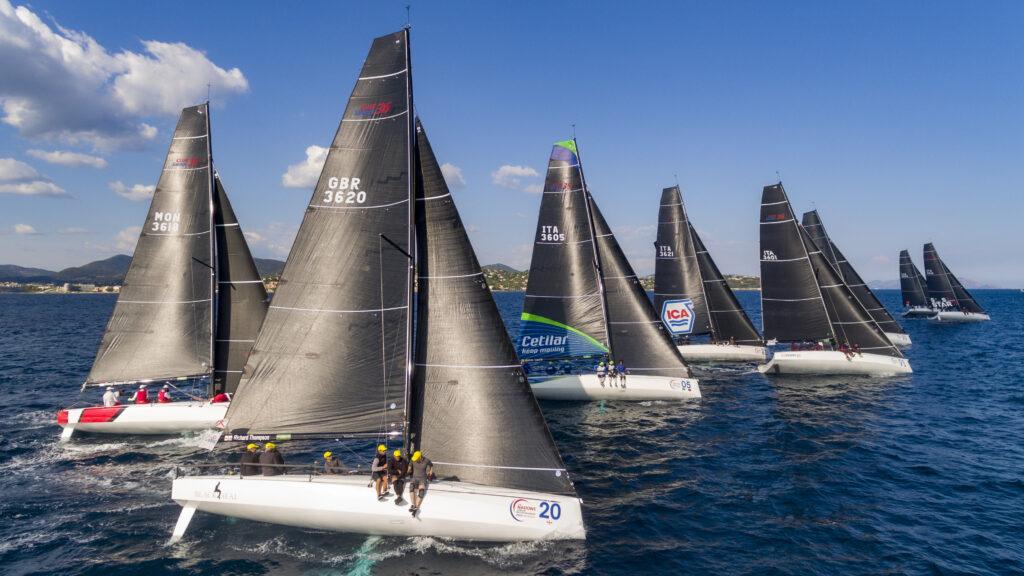 Fleet sailing upwind