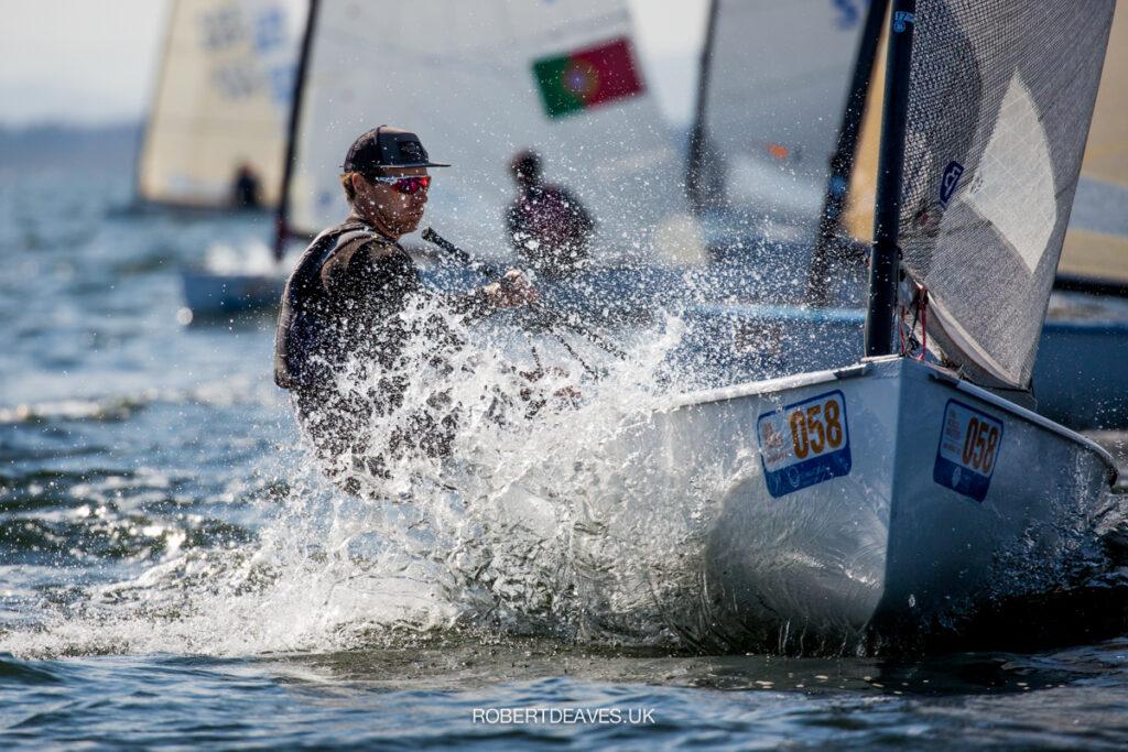 Valerian Lebrun sailing upwind, splash.
